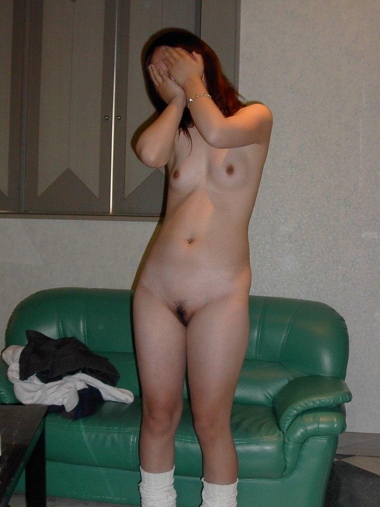 【全裸ソックスエロ画像】これがガチの援交!?全裸にルーズソックだけの少女の姿に尋常じゃなく興奮してくるwww その3