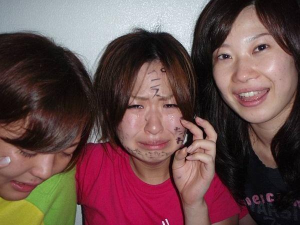 【イジメエロ画像】これが女同士のイジメ…陰湿過ぎて怖くなる衝撃画像がこちら! その3