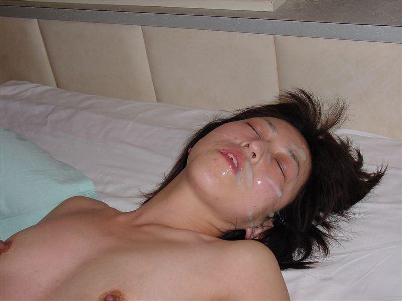 【顔射エロ画像】セフレにマーキングされた素人娘…屈辱そうな表情が興奮する無許可顔射www その7
