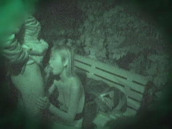 【赤外線盗撮画像】闇夜に隠れパコパコ…ハッテン場と化す公園でエッチしてるカップルを赤外線カメラで覗くとこんな感じww その4