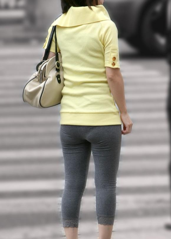 【レギンズエロ画像】ちょーエッロいお尻発見www街中で見つけたレギンズ女子のピタピタになった尻がやべーwww その2
