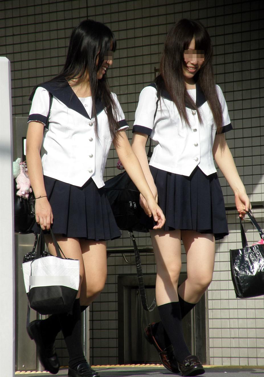 【太ももフェチエロ画像】これは素晴らしい太もも!若さ溢れるピチピチの美脚がエロすぎる女子高生を街撮りした太もも画像 その3