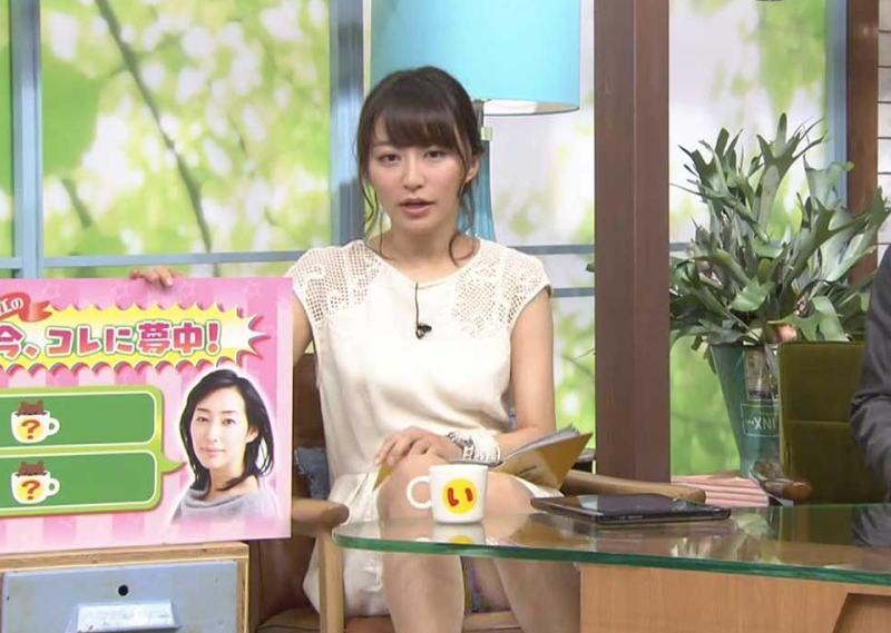 【女子アナパンチラ画像】TVに映ってしまったエッチなハプニング…女子アナや芸能人のパンチラがエッロッッ!! その4
