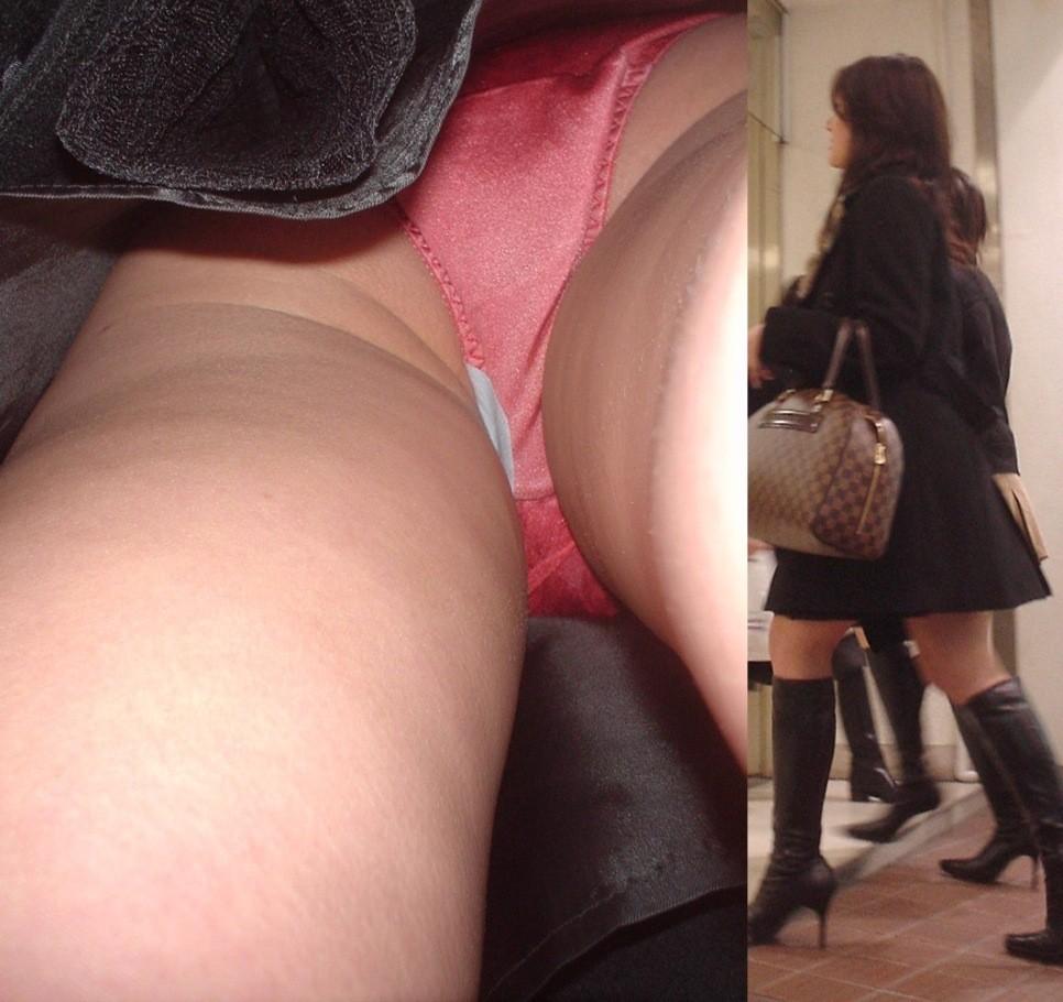 生理の日にこんな短いスカートを履いちゃだ~めだ~め!!ナプキンも写ってる逆さ撮り画像 その8